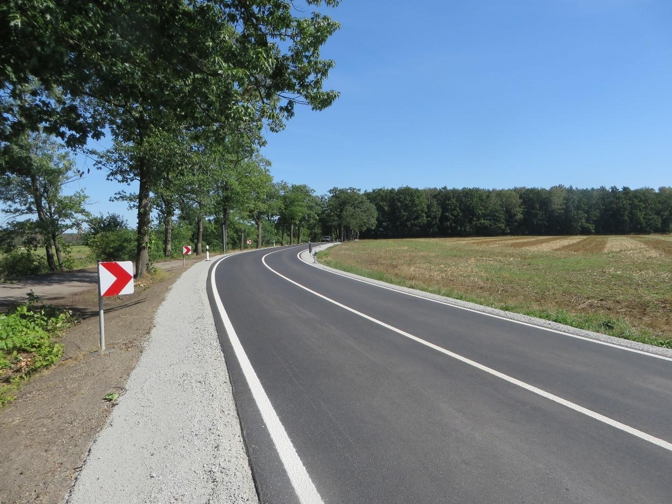 S 92 Richtung Bernsdorf, Kurve nach dem Bahnübergang